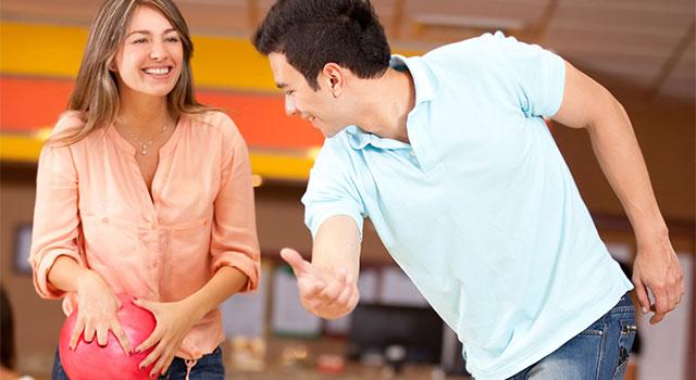 blog-couple-bowling