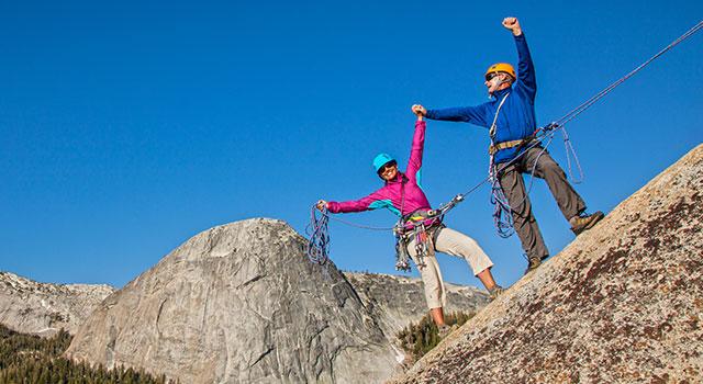 blog-couple-rock-climbing