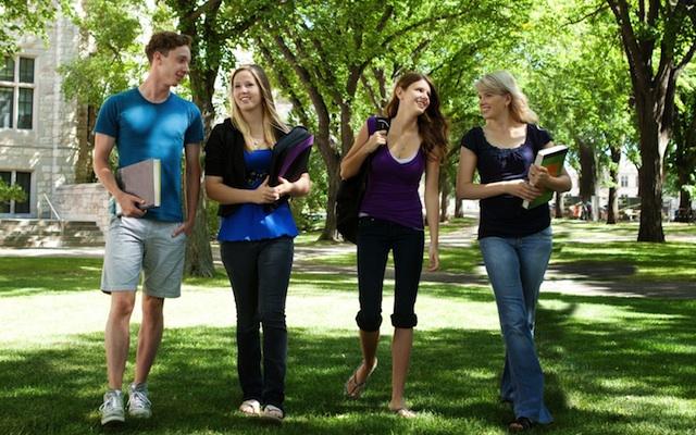 blog-students-walking