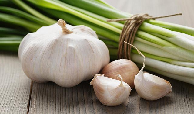 blog-garlic-onions