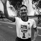 ultramarathon runner cliff young