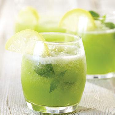 Basil Lemonade | 175 Calories